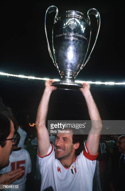 Football European Cup Final Nou Camp Barcelona Spain 24th May 1989 AC Milan 4 v Steaua Bucharest 0 AC Milan captain Franco Baresi holds the trophy...