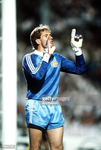 Football European Cup Final Stuttgart West Germany 25th May 1988 Benfica 0 v PSV Eindhoven 0 PSV goalkeeper Hans Van Breukelen