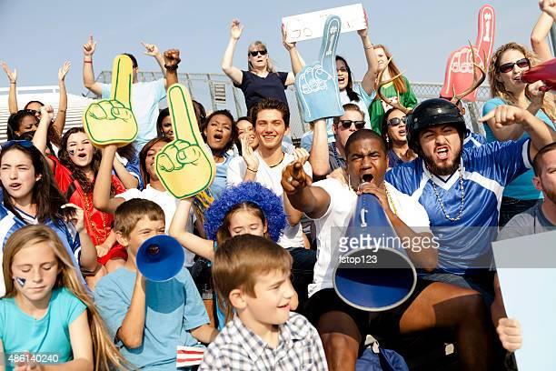 Fußball-fans feuern Sie Ihr team bei Sportveranstaltungen. Stadium.