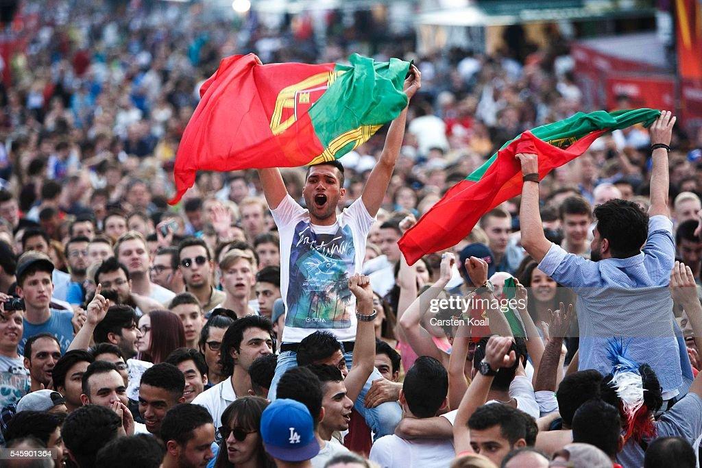 football fans watch 2016 uefa euro final getty images. Black Bedroom Furniture Sets. Home Design Ideas