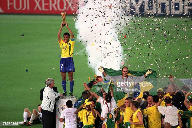 Football FIFA 2002 World Cup Final Yokohama Japan 30th June 2002 Brazil 2 v Germany 0 Brazilian captain cafu proudly holds aloft the trophy as he...