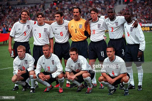 Football Friendly International Stade de France Paris France 2nd September 2000 France 1 v England 1 The England team lineup for a group photograph...