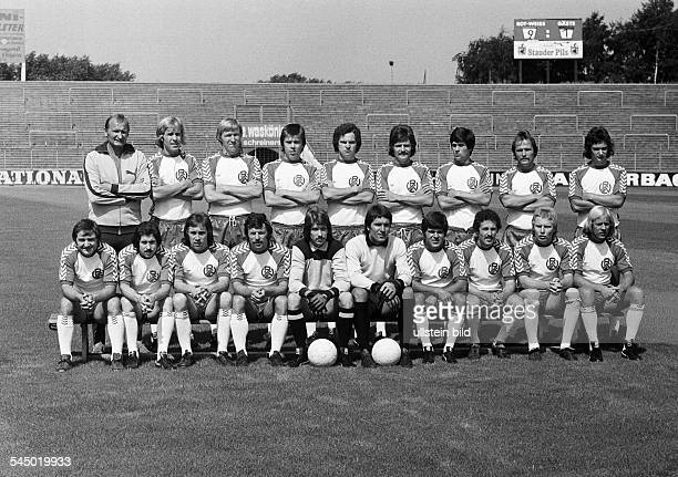 Football Germany Bundesliga RotWeiss Essen presentation of the team for the new saison 1975/1976 team photograph