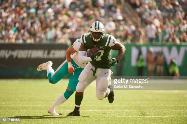 New York Jets Lawrence Thomas in action after making catch vs Miami Dolphins at MetLife Stadium East Rutherford NJ CREDIT Carlos M Saavedra