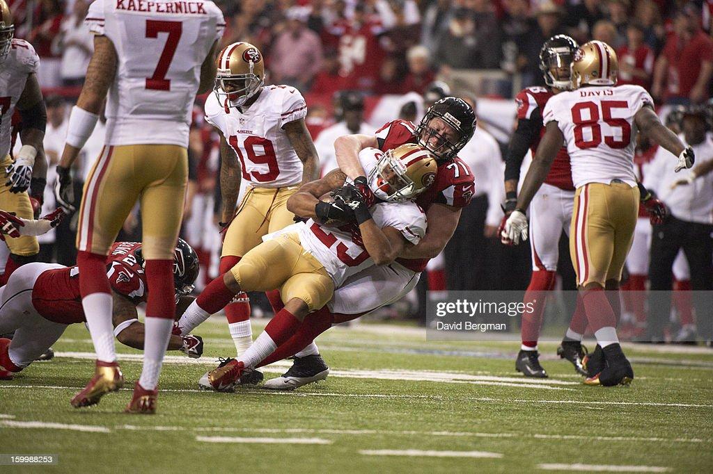 Atlanta Falcons Kroy Biermann (71) in action, tackle vs San Francisco 49ers LaMichael James (23) at Georgia Dome. David Bergman F114 )
