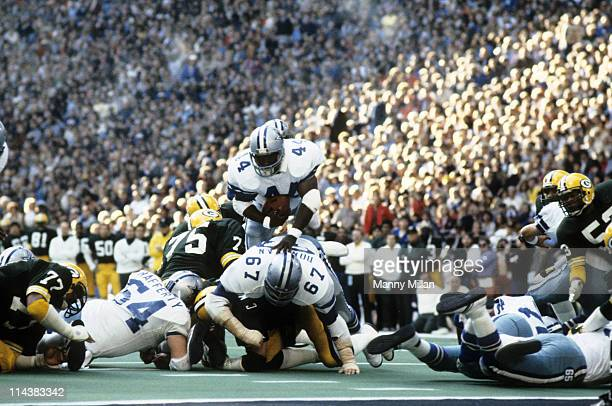 NFC Playoffs Dallas Cowboys Robert Newhouse in action rushing vs Green Bay Packers at Texas Stadium Irving TX CREDT Manny Millan