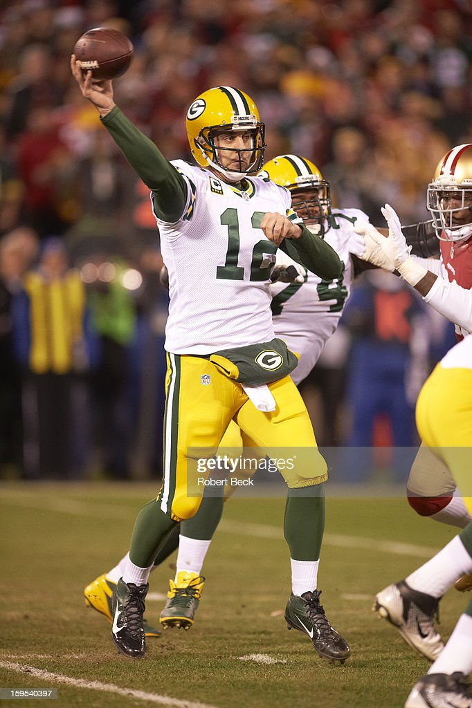 Green Bay Packers QB Aaron Rodgers (12) in action, making pass vs San Francisco 49ers at Candlestick Park. Robert Beck F33 )