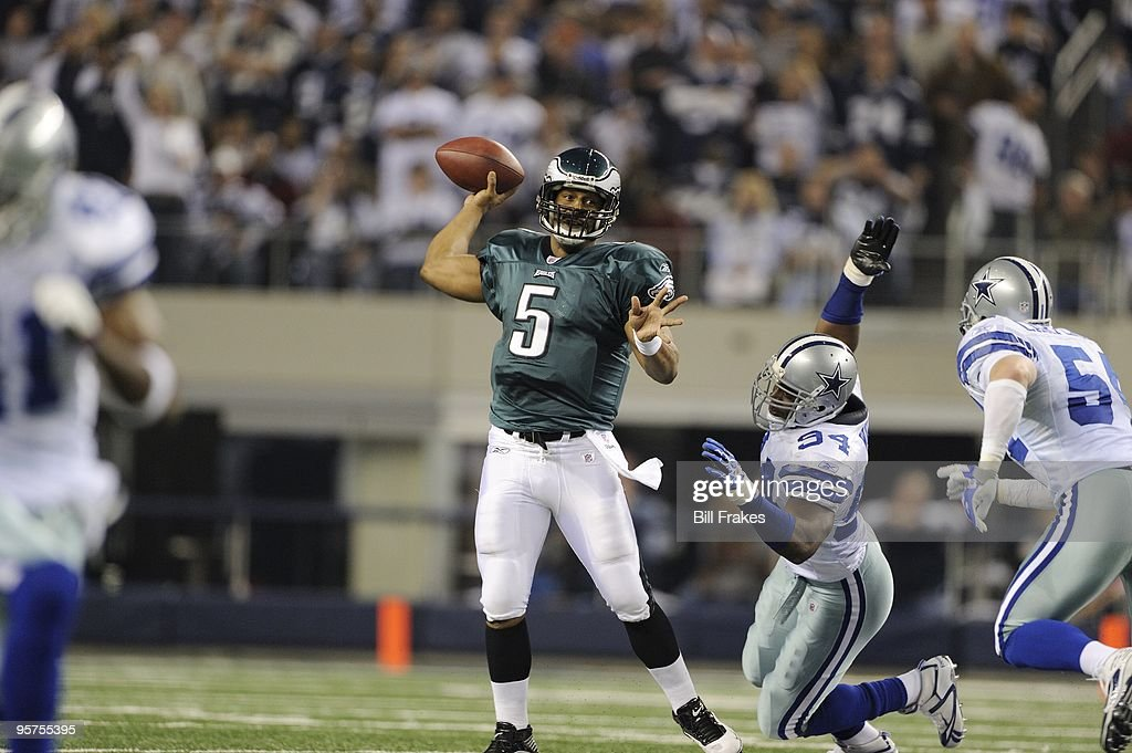 Philadelphia Eagles QB Donovan McNabb (5) in action, pass vs Dallas Cowboys. Arlington, TX 1/9/2010