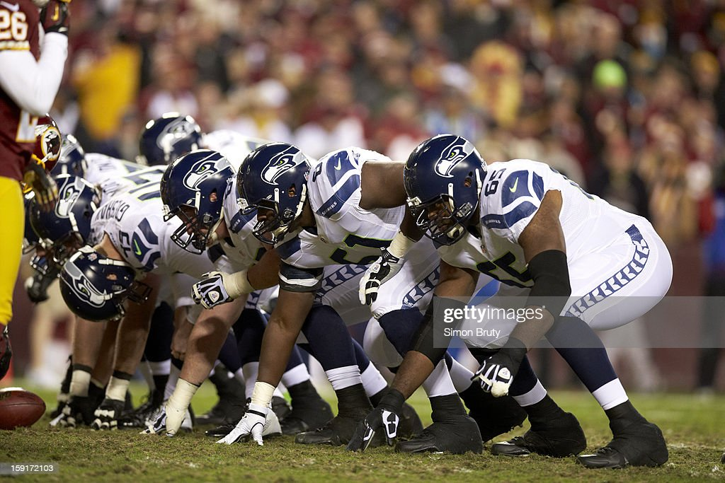 Seattle Seahawks Frank Omiyale (65) and teammates lined up before kick vs Washington Redskins at FedEx Field. Simon Bruty F662 )