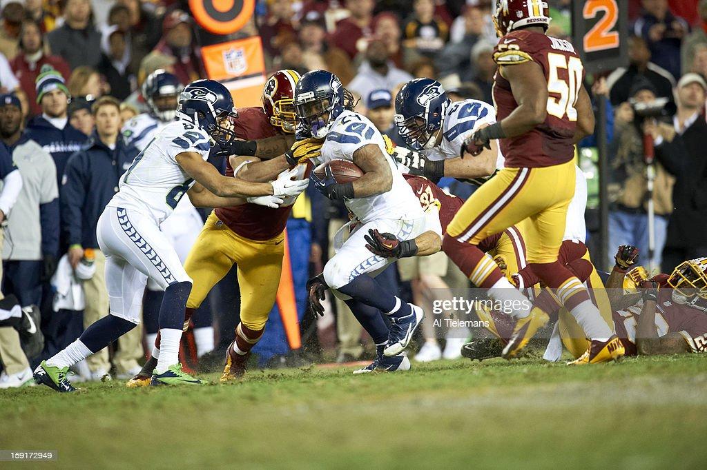 Seattle Seahawks Marshawn Lynch (24) in action, rushing vs Washington Redskins at FedEx Field. Al Tielemans F390 )