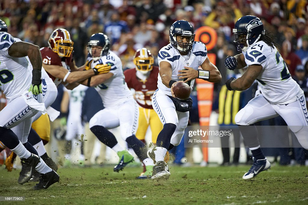 Seattle Seahawks QB Russell Wilson (3) in action vs Washington Redskins at FedEx Field. Al Tielemans F140 )
