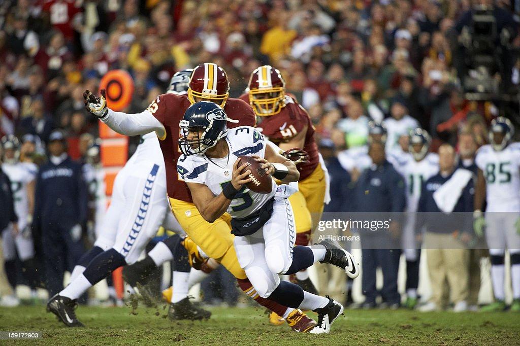 Seattle Seahawks QB Russell Wilson (3) in action vs Washington Redskins at FedEx Field. Al Tielemans F154 )