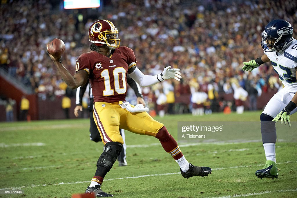 Washington Redskins QB Robert Griffin III (10) in action vs Seattle Seahawks at FedEx Field. Al Tielemans F242 )