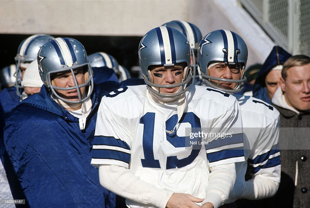 Closeup of dallas cowboys lance rentzel 19 before ice bowl game vs