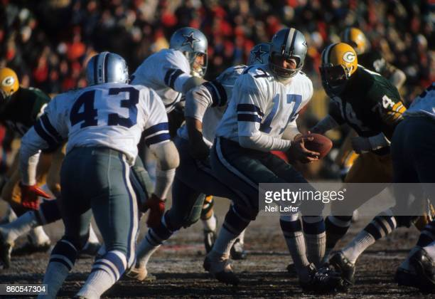 NFL Championship Dallas Cowboys QB Don Meredith in action vs Green Bay Packers at Lambeau Field Ice Bowl Green Bay WI CREDIT Neil Leifer