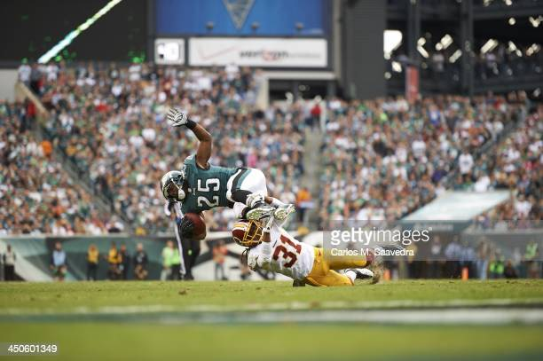 Philadelphia Eagles LeSean McCoy in action rushing vs Washington Redskins Brandon Meriweather at Lincoln Financial Field Philadelphia PA CREDIT...