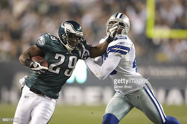Philadelphia Eagles LeSean McCoy in action vs Dallas Cowboys Gerald Sensabaugh Philadelphia PA 11/8/2009 CREDIT Simon Bruty