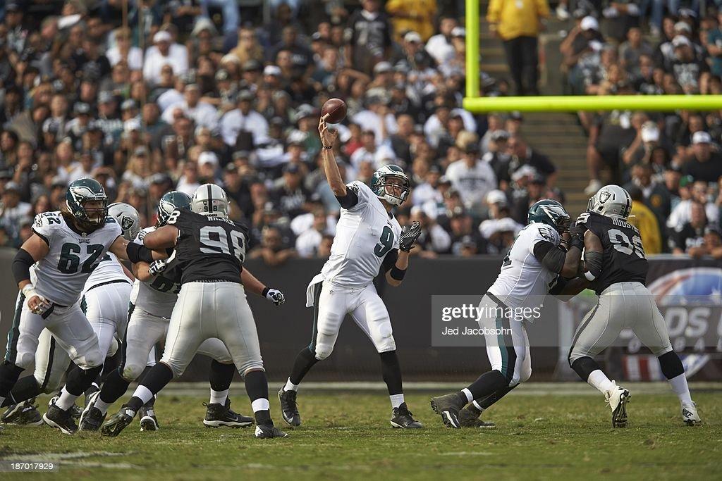 Philadelphia Eagles QB Nick Foles (9) in action, passing vs Oakland Raiders at O.co Coliseum. Jed Jacobsohn F267 )