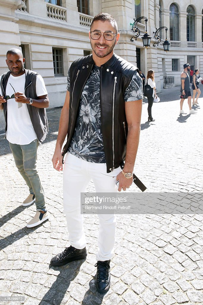 Football Player <a gi-track='captionPersonalityLinkClicked' href=/galleries/search?phrase=Karim+Benzema&family=editorial&specificpeople=796089 ng-click='$event.stopPropagation()'>Karim Benzema</a> attends the Balmain Menswear Spring/Summer 2016 show as part of Paris Fashion Week on June 27, 2015 in Paris, France.