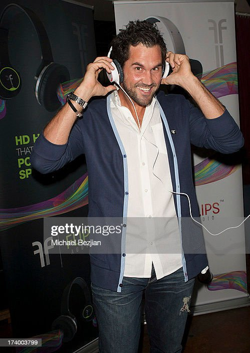Football player <a gi-track='captionPersonalityLinkClicked' href=/galleries/search?phrase=Matt+Leinart&family=editorial&specificpeople=171669 ng-click='$event.stopPropagation()'>Matt Leinart</a> attends Flips Audio Presents, <a gi-track='captionPersonalityLinkClicked' href=/galleries/search?phrase=Matt+Leinart&family=editorial&specificpeople=171669 ng-click='$event.stopPropagation()'>Matt Leinart</a> Foundation Seventh Annual Celebrity Bowl at Lucky Strikes on July 18, 2013 in Hollywood, California.