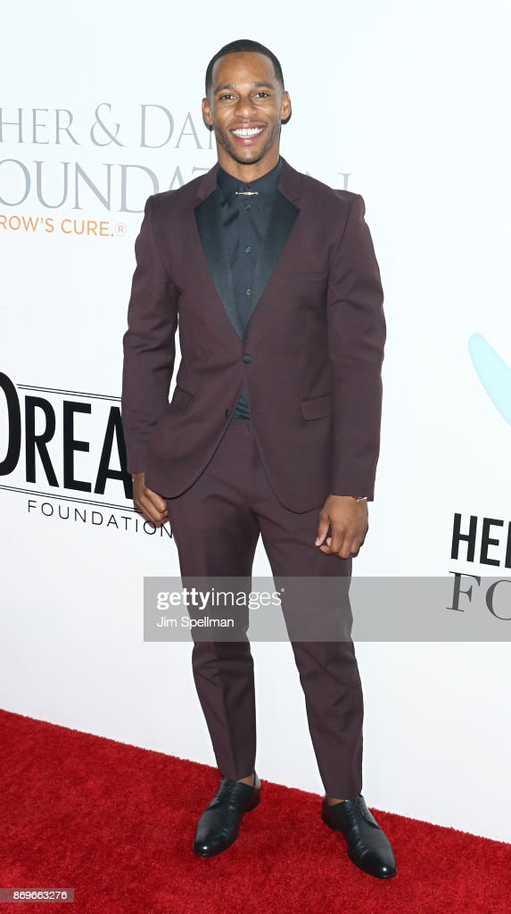 Football player Victor Cruz attends the 2017 Samsung Charity Gala at Skylight Clarkson Sq on November 2, 2017 in New York City.