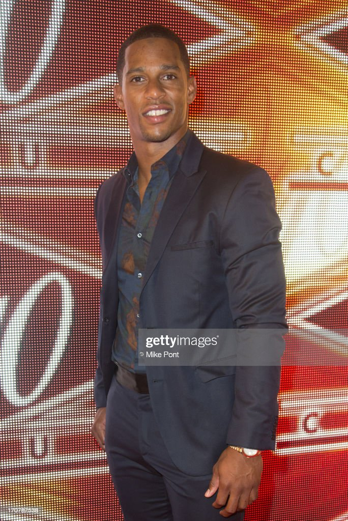 Football Player Victor Cruz attends The 40/40 Club 10 Year Anniversary Party at 40 / 40 Club on June 17, 2013 in New York City.