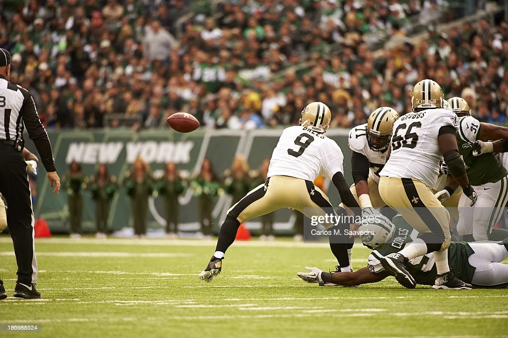 Rear view of New Orleans Saints QB Drew Brees (9) in action vs New York Jets at MetLife Stadium. Carlos M. Saavedra F134 )