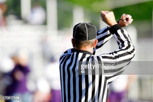 アメリカンフットボールの審判