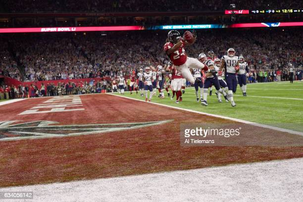 Super Bowl LI Atlanta Falcons Devonta Freeman in action scoring touchdown vs New England Patriots at NRG Stadium Houston TX CREDIT Al Tielemans
