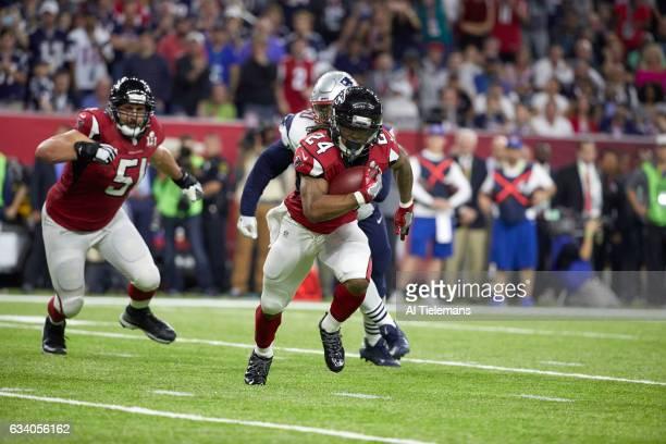 Super Bowl LI Atlanta Falcons Devonta Freeman in action rushing vs New England Patriots at NRG Stadium Houston TX CREDIT Al Tielemans
