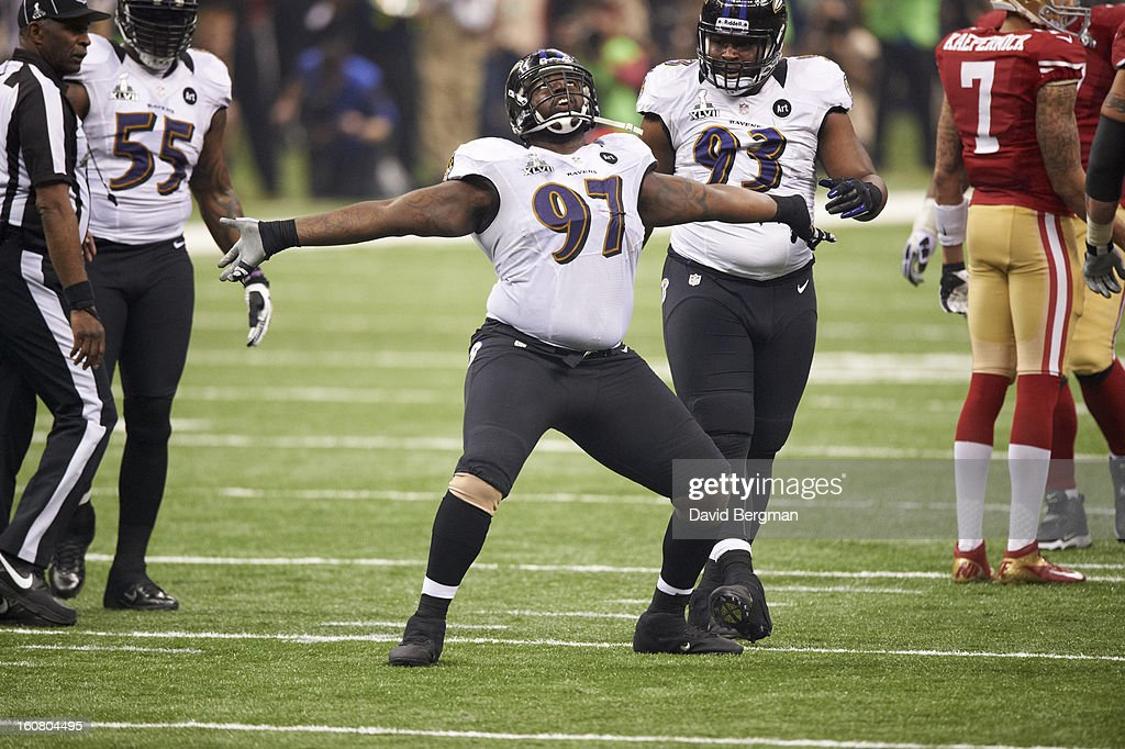 Baltimore Ravens Arthur Jones (97) victorious after making sack vs San Francisco 49ers at Mercedes-Benz Superdome. David Bergman F109 )