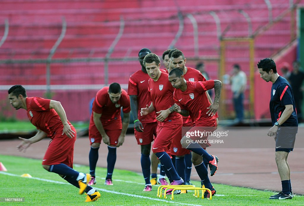 US football team players train at the Olimpico Metropolitano stadium, in San Pedro Sula, 240 km north of Tegucigalpa, on February 5, 2013. The US will face Honduras on Wednesday on a WC2014 Concacaf qualifier football match. AFP PHOTO/Orlando SIERRA