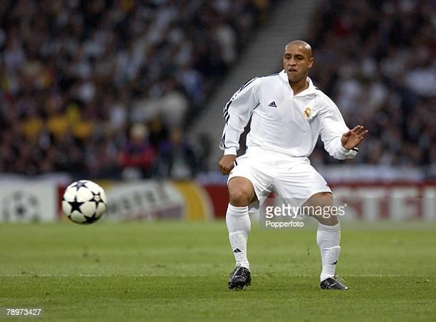 Football UEFA Champions League Final Hampden Park Glasgow 15th May 2002 Real Madrid 2 v Bayer Leverkusen 1 Roberto Carlos Real Madrid