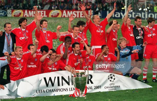 Football UEFA Champions League Final Milan Italy 23rd May 2001 Bayern Munich 1 v Valencia 1 The victorious Bayern Munich team celebrate with the...