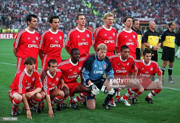 Football UEFA Champions League Final Milan Italy 23rd May 2001 Bayern Munich 1 v Valencia 1 The Bayern Munich side pose for a group photograph Back...