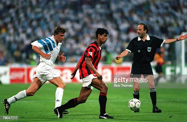 Football UEFA Champions League Final Munich Germany 26th May 1993 Marseille 1 v AC Milan 0 AC Milan's Frank Rijkaard is watched by Marseille's Frank...