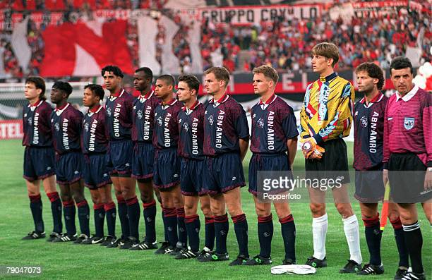Football UEFA Champions League Final Vienna Austria 24th May 1995 Ajax 1 v AC Milan 0 The Ajax team line up together prior to the match LR Jari...