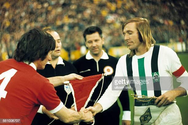 football UEFA Cup Europa League 1972/1973 final second leg Stadium am Boekelberg Borussia Moenchengladbach versus FC Liverpool 20 welcome wimple...