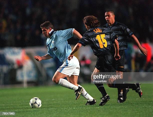 Football UEFA Cup Final Paris France 6th May 1998 Inter Milan 3 v Lazio 0 Lazio's Vladimir Jugovic moves past Inter Milan's Benoit Cauet