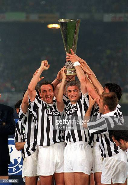 Football UEFA Cup Final Second Leg Turin Italy 19th May 1993 Juventus 3 v Borussia Dortmund 0 Jurgen Kohler and Fabrizio Ravanelli hold the trophy as...