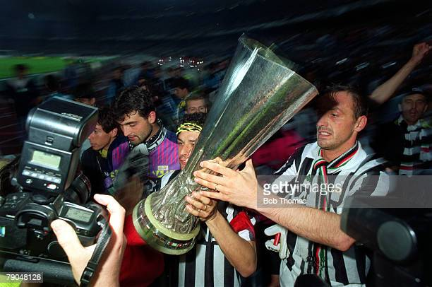 Football UEFA Cup Final Second Leg Turin Italy 19th May 1993 Juventus 3 v Borussia Dortmund 0 Juventus captain Roberto Baggio and Jurgen Kohler hold...