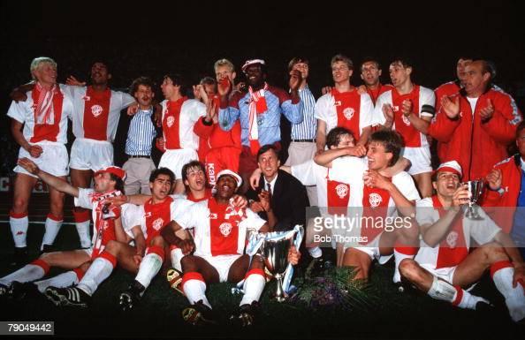 Football UEFA Cup Winners Cup Final Athens Greece 15th May 1987 Ajax Amsterdam 1 v Lokomotiv Leipzig 0 The Ajax players and Manager Johan Cruyff...