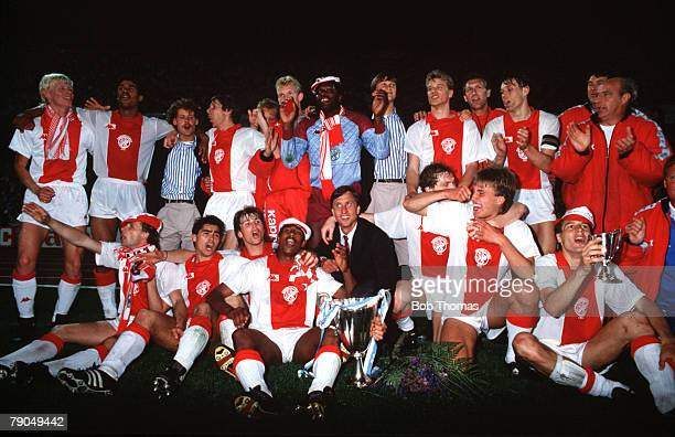 Football UEFA Cup Winners Cup Final Athens Greece 15th May 1987 Ajax Amsterdam 1 v Lokomotiv Leipzig 0 The Ajax players and Manager Johan Cruyff...