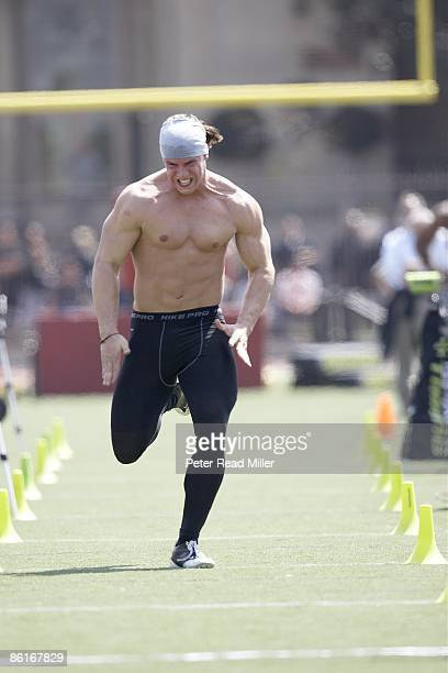 USC Pro Day NFL prospect and former USC linebacker Brian Cushing in action during workout at Cromwell Field and Loker Stadium Los Angeles CA 4/1/2009...