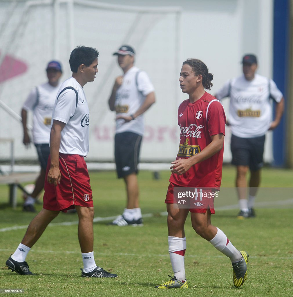 Footballer Cristian Benavente (R), of the Peruvian U20 national team, takes part in a training session in Lima on December 28, 2012 ahead of the U-20 South American Championship which will be held in Argentina from January 9, 2013 to February 3. The tournament grants four tickets for the 2013 FIFA U-20 World Cup to be held in Turkey.