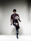Lionel Messi, Self assignment,