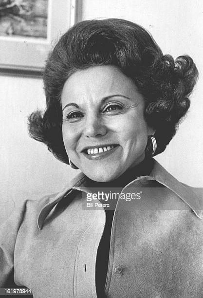 FEB 11 1977 OCT 25 1978 For some dandruff is a minor problem that can be brushed off But syndicated columnist Ann Landers feels differently She says...
