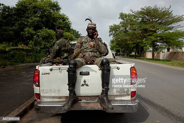 RCI Forces loyal to Alassane Ouattara try to push back the forces loyal to Laurent Gbagbo from the neighbourhoods of Riviera and Cocody
