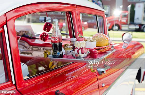 Ford Custom 300, 1958, white and red with food tray