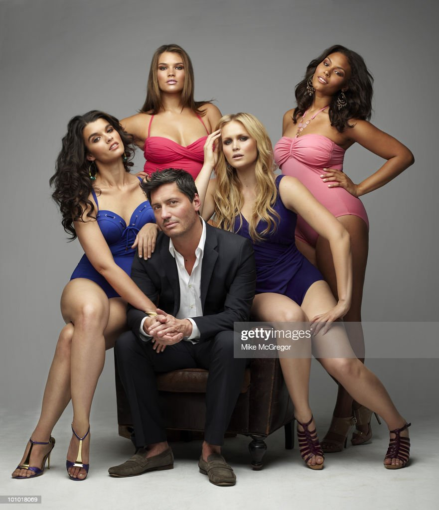 Ford models Crystal Renn, Inga Eiriksdottir, Tara Lynn and Marquita Pring with the head of Ford Model's Plus-size division, Gary Dakin, at a portrait session for London Times April, 2010 in New York City. Published image.
